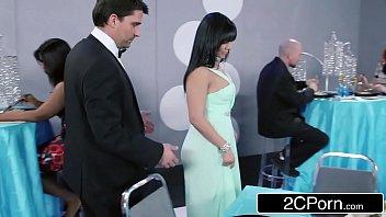 Pornop com uma das damas de honra do casamento