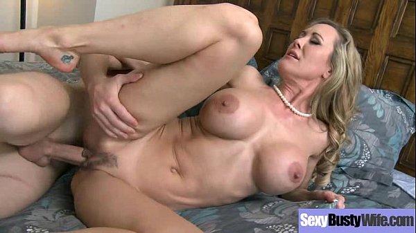 Sexo com a sogra peituda deliciosa