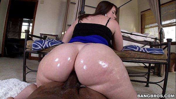 Vídeos de sexo amador com morena dando o cuzão