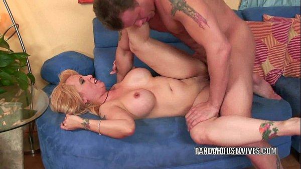 Videos de sexo quente com coroa tetuda